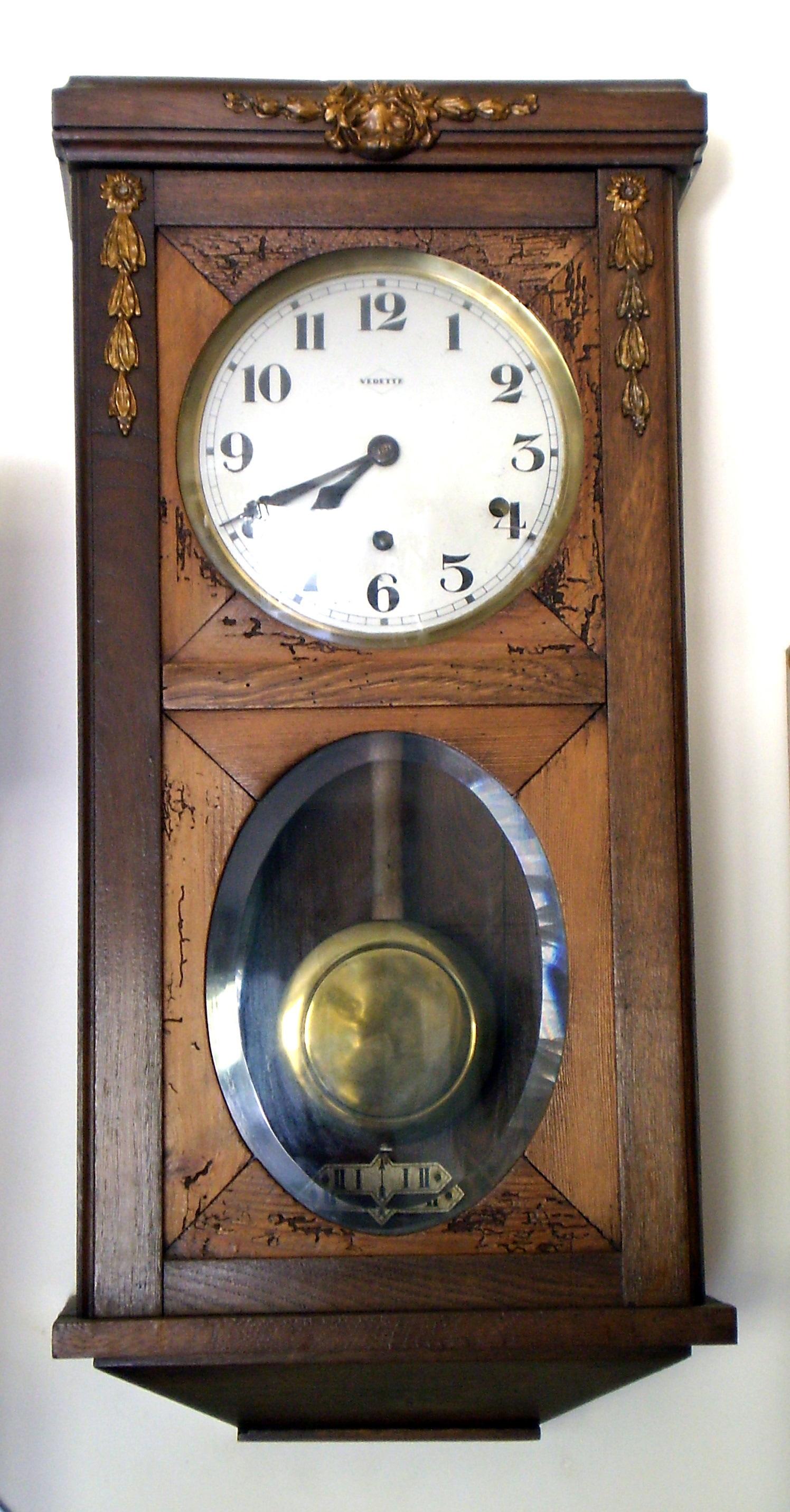 horloges m caniques anciennes avec carillon vedette toulbroc. Black Bedroom Furniture Sets. Home Design Ideas